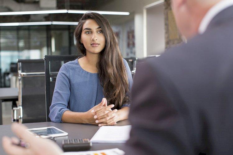 К лету работодатели стали искать сотрудников с минимальным опытом работы на 12 процентов чаще.