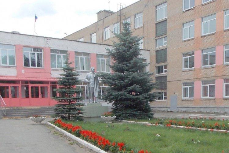 Учебное заведение заподозрили в заключении договорас охранной фирмой (ЧОП) без проведения конкурса.