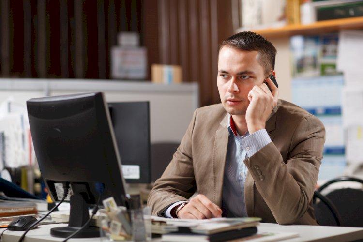 Может ли работодатель запретить пользоваться мобильным телефоном